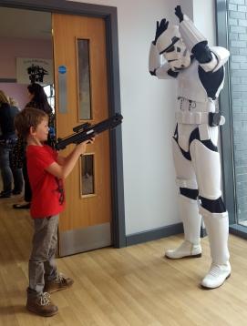 Sonny shooting stormtrooper